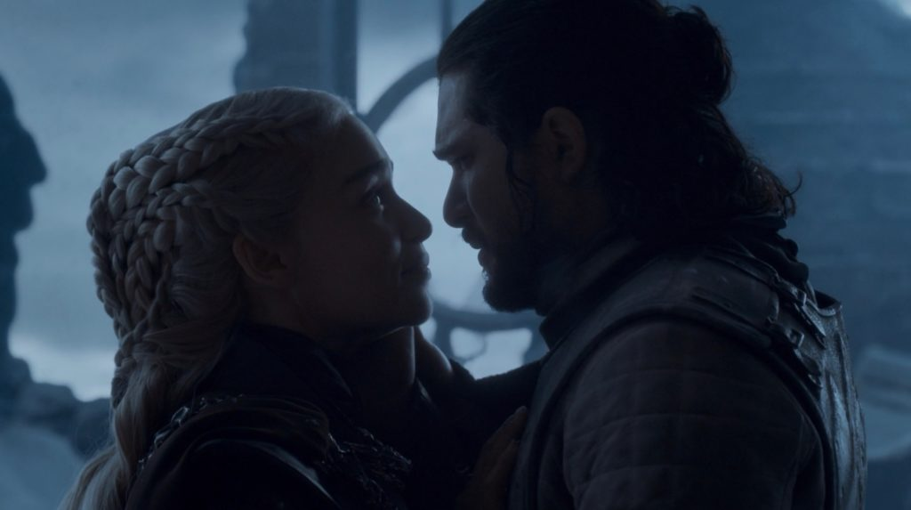 Il finale di Game of Thrones: Jon con la regina